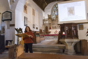 Jane Cartwright yn siarad yn Llanilltud Fawr / Jane Cartwright speaking at Llantwit Major
